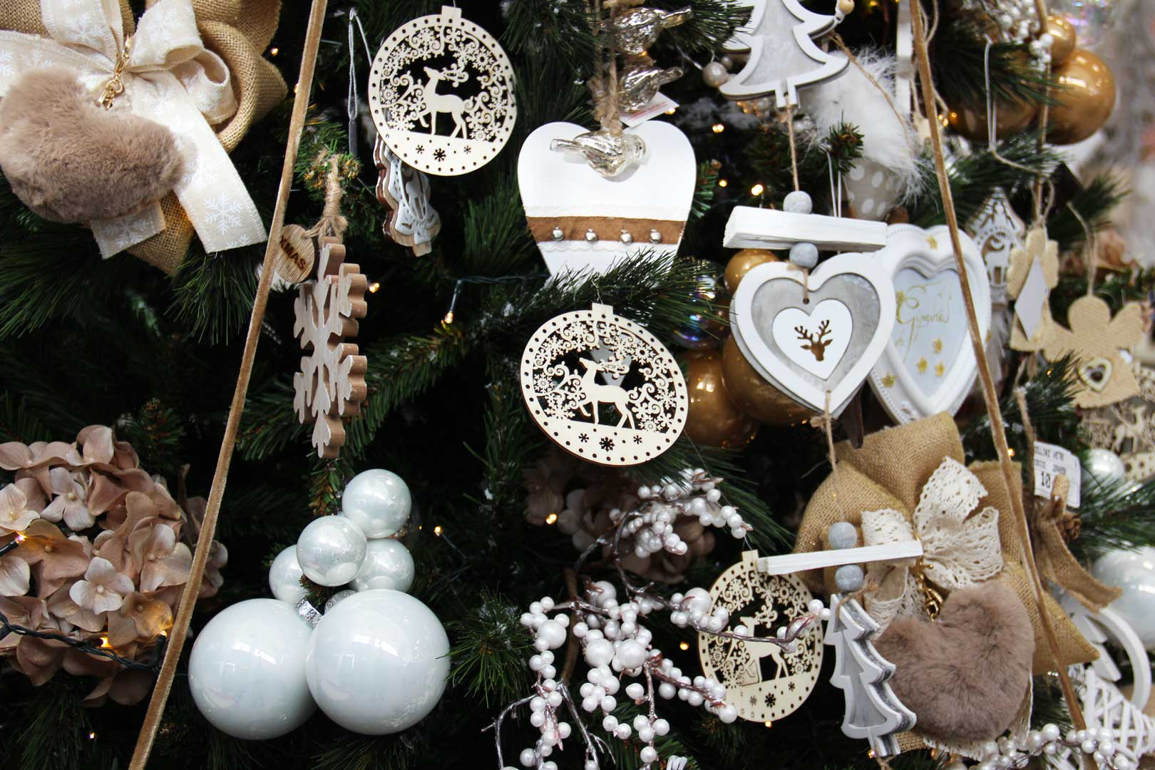http://www.specialdays-eventi.it/wp-content/uploads/2017/11/albero-natale-special-days-2.jpg